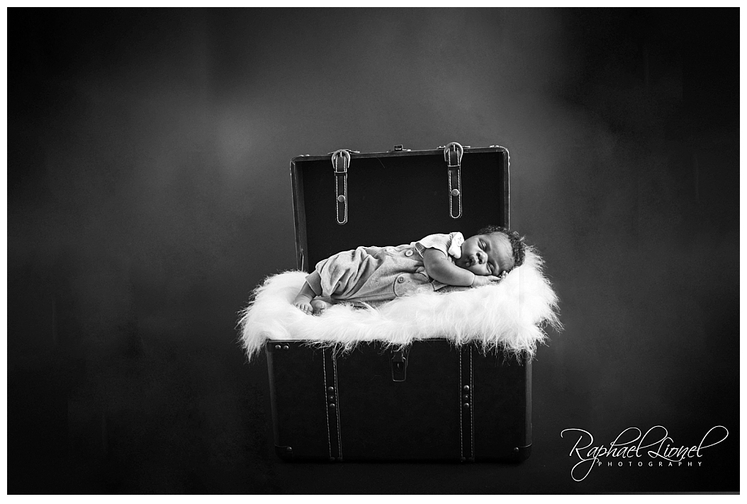 2017 10 09 0006 - Young Caleb - Newborn Photography Birmingham